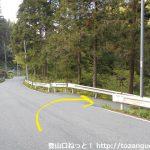 県道53号線から松枝橋の方に下る