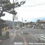 敷島駅前の車道を左に進む
