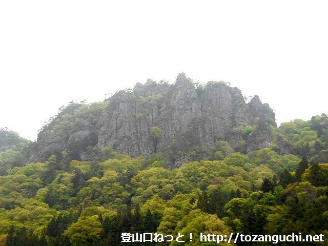 岩櫃山の岩壁