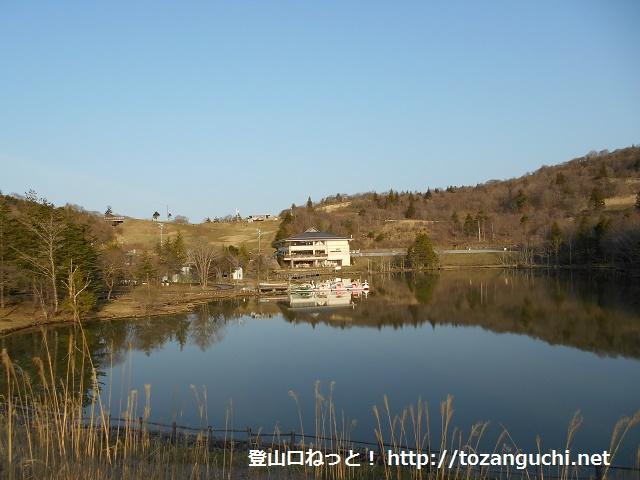 茶臼山高原の矢筈池(愛知県豊根村)
