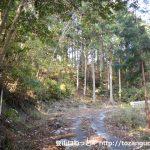林道布川線の古戸山登山口前