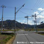 上田電鉄の舞田駅前の車道が県道82号線に交わる交差点