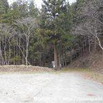 線ヶ滝の入口奥の県道201号線終点の登山口駐車場