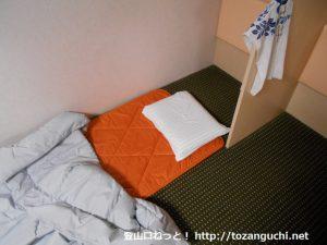 阪九フェリーの2等船室のマットと布団とまくら