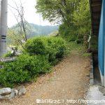 破風山登山口(風戸)から見る登山道