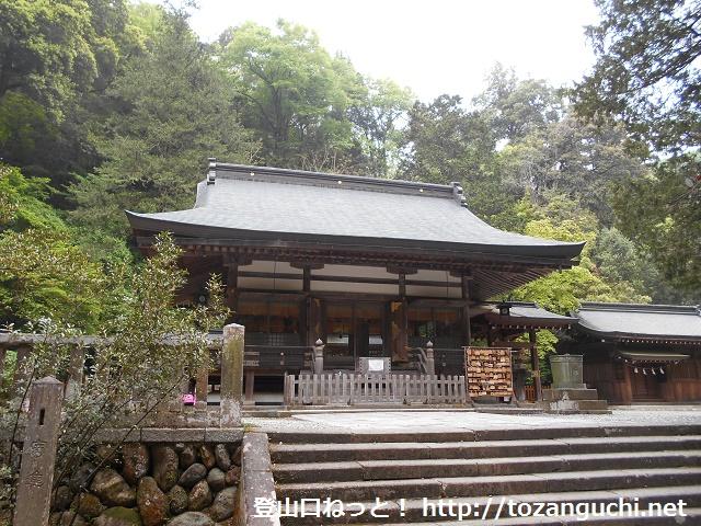 金鑚神社の本殿