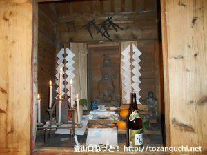 子持神社奥の院(奥宮)に祀られている毘沙門天像