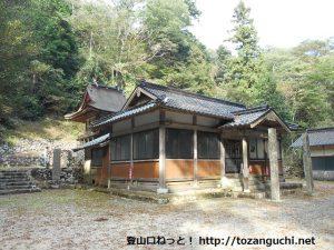 荒戸神社の本殿