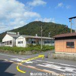 大森バス停前のT字路から山側に向かう脇道に入る