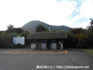 大森神社の駐車場とトイレ