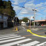 県道30号線の玖波分れバス停横の横断歩道前から北側の脇道に入る