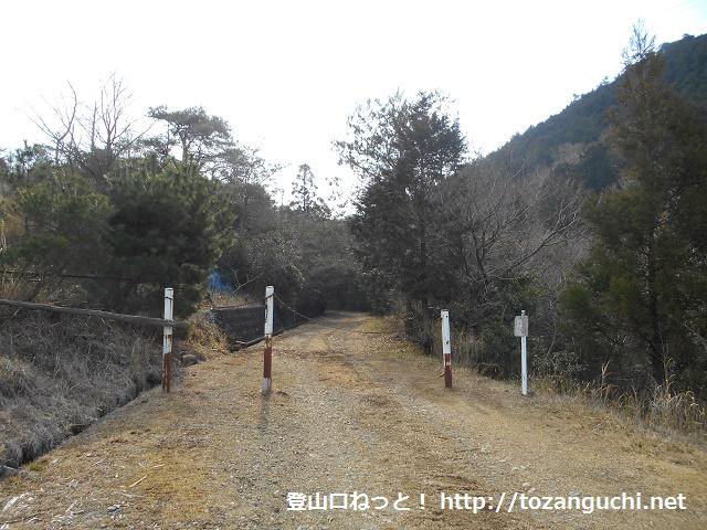 滝堂林道の入口