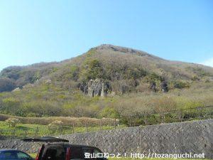 幕山公園の駐車場から見る幕山