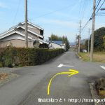 曽根バス停から中村バス停に向かう途中の辻