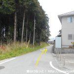 長山駅前の小路を南に進む