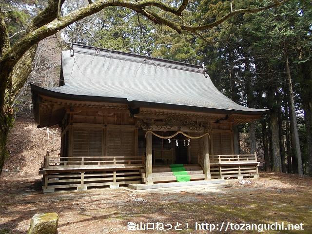 檜峯神社の拝殿