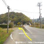 福用駅北側の踏切手前で左に入る