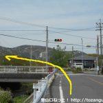 三河田原駅から滝頭公園に向かう途中の変則の4差路交差点