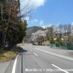 大月総合グラウンド前の車道