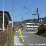 奈良井から国道413号線を横切る