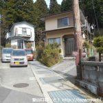 箱根関所跡バス停横から屏風山の登山コースに入る