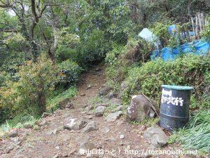 多比観音にある大平山(多比口峠)の登山口