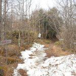 清里ハイランドパークの北にある赤岳の県界尾根コースの登山口