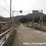 稲子トンネルの方に向かう道